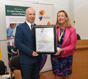 Jim Daly , Minister of State, Department of Health and Anne Slattery, General Manager, St. Luke's General Hospital, Carlow-Kilkenny